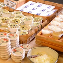 摺上亭大鳥オリジナル納豆は朝食バイキングにて