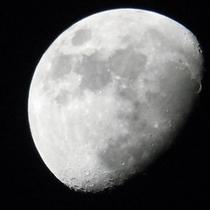 【観光・散策】県立ぐんま天文台 月面写真(ケータイで撮影)