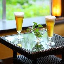 【貸切風呂 クリスタル 休憩所】湯あがりには冷たいお飲み物でのどを潤して。