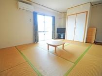 和室【10畳/ベランダ付】3~5名様まで宿泊できる広い和室