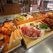 【朝食】お出かけ前に栄養補給!こだわりの手作り瀬戸内バイキング☆ ※料理一例