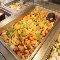 【朝食】瀬戸内朝食バイキング酢豚 ※料理一例