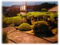 玄関からの庭の眺め