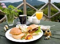 ★テラスで朝食