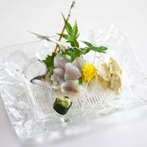 *【鮎のお造り】新鮮だからこそご提供できる一品!捌きたての味わいをお愉しみください。