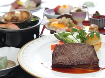 ご夕食のメイン料理は山形牛ステーキと蝦夷鮑の陶板焼き♪