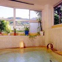 *ゆっくりと入れる温泉大浴場