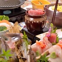*【夕食(一例)】温泉でリラックスした後は、美味しいお料理に舌鼓…♪
