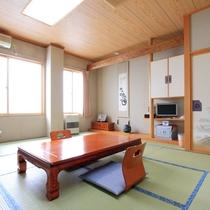 *客室一例(和室)/客室明るく広々としたお部屋でごゆっくりお寛ぎ下さい。