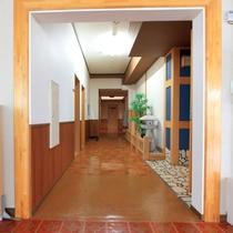 *館内(別館)/ひば風呂へと続く廊下です。