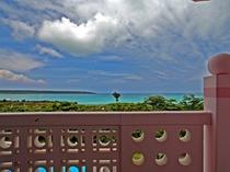 【眺望】テラスからは極上の海が見える望めます。 ※眺望のご指定はできません。
