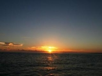 【周辺】与那覇前浜から見える綺麗な夕日