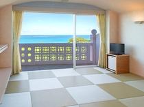 【ファミリー和室】リーフビレッジ(本館) マレア自慢の琉球畳。スッキリとした空間でお寛ぎ下さい。