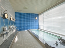 【男子大浴場】マリンスポーツなどの汗をさっぱりと洗い流せる大浴場