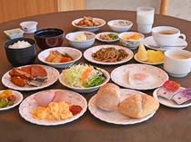【朝食の一例】洋食や和食と豊富なメニューをご用意。しっかりエネルギーをつけて元気な1日をスタート!