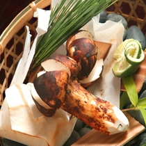 秋には松茸をご用意。信州の豊かな山の恵みです。…ご夕食の一例