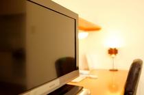 デスク&液晶TV
