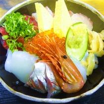 *海鮮丼一例