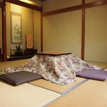 日本家屋の静かな佇まいを感じるお部屋でのんびりとお寛ぎ下さい。