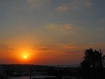 【サンセット】宮古島は夕日もおすすめ。キレイな夕日は幻想的な気分になります。