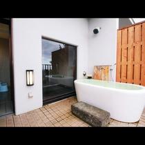貸切風呂◆銀◆少し深めの真っ白い陶器風呂