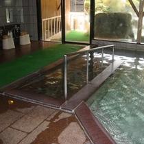 大浴場 内風呂 スロープ