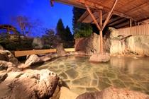 庭園露天風呂(夏夜)