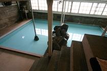旧館源泉風呂
