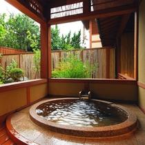 *「有明」のお部屋にある露天風呂