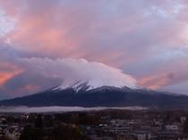 夕焼けに染まる富士山2013.11.15