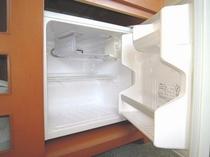 冷蔵庫の中身は空です。ご自由にお使いください♪