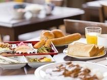 朝食メニューは5種類です(300~500円)