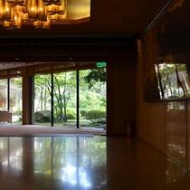 ■廊下と緑