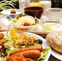 【朝食】豊富なメニューでバランスのとれたご朝食をお召し上がり下さいませ!