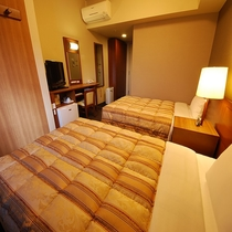 《ツインルーム》ベッド幅120㎝☓2台≪平成28年12月改装≫