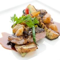 レストランハピナ(山原鶏のグリル/料理一例)