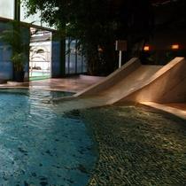 ジャングル風呂「すべり台」