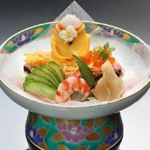 泰泉閣特製のひな寿司