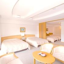 洋洋室(4ベッド)ダブルベッド×3 シングルベッド×1 リビング付♪無線LAN対応