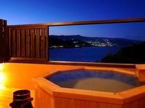 十三夜離れ貴賓室の客室露天風呂