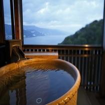 月の間/客室専用の露天風呂