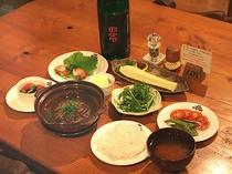 ある日の夕食「土鍋煮込み豆腐ハンバーグ」