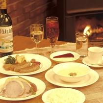 *【夕食:一例】暖炉のそばで、洋食コースをいただきます。