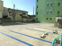 ●駐車場①●17台収容●