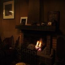暖炉の様子②