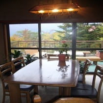 昼間の食堂 全景