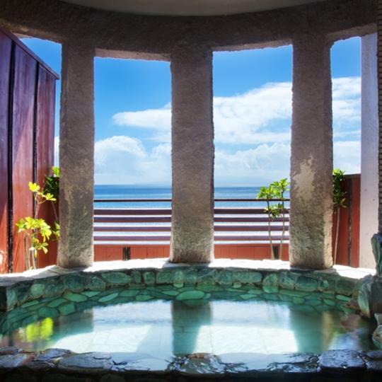 貸切風呂(岩風呂/利島・大島) 写真提供:楽天トラベル