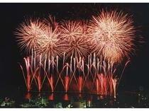 【周辺・観光スポット】365日同料金なので当館屋上は花火をお得に楽しめる穴場です。カップルでぜひ♪