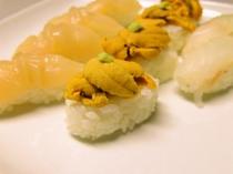 新鮮な海の幸のにぎり寿司(オプション)