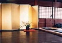 20畳のオエ(居間)
